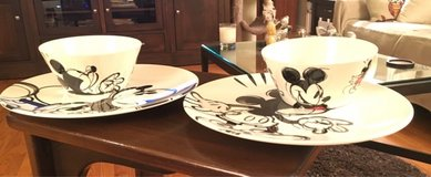 2 Mickey Plates & 2 Bowls in Yorkville, Illinois