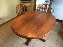 Kitchen Table & 6 Chairs in Joliet, Illinois