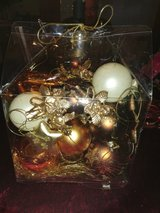 Lot of Christmas ornaments gold in Ramstein, Germany
