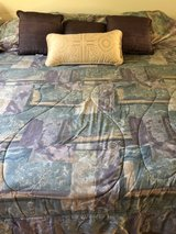 King size comforter with shams and accent pillows in Joliet, Illinois