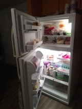 Cold Spot Kenmore Refrigerator Working Good in Fort Leonard Wood, Missouri