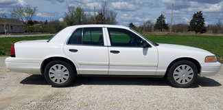 2009 FORD CROWN VIC POLICE CAR in Fort Leonard Wood, Missouri