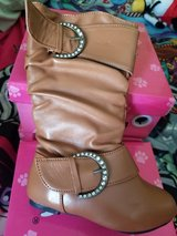 Destiny boots new in Naperville, Illinois