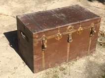 Old Steamer Trunk in Glendale Heights, Illinois