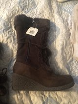 Brand New Brown Boots size 8 1/2 in Fort Leonard Wood, Missouri
