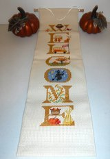 Like New! Fall Decor ~ Welcome Banner & Ceramic Pumpkins in Bolingbrook, Illinois