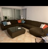 Sectional couch in great conditions in Wiesbaden, GE