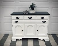 Beautiful buffet or tv stand in Naperville, Illinois