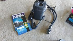 Fluval 205 Canister Filter & Python 25 Foot Cleaning Tube in Glendale Heights, Illinois