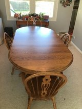 Dining table set in Joliet, Illinois