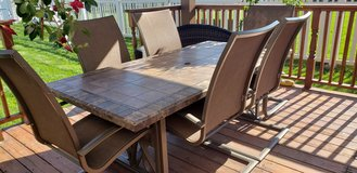 Outdoor table with 6 chairs. in Bolingbrook, Illinois