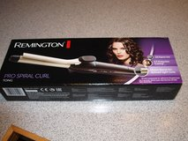 Remington Flat Iron 110/220V Like NEW in Wiesbaden, GE