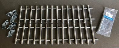 """Amerock BP19011-SS Lot of 29 Stainless Steel 3 3/4"""" Center Bar Cabinet Pulls in Glendale Heights, Illinois"""