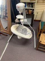 fisher price electronic baby swing in Alamogordo, New Mexico