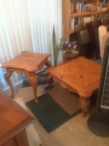 real wood coffee table and end table in Alamogordo, New Mexico
