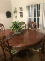 Dining table in bookoo, US