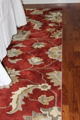 Beautiful Area Rug - 8' X 10' in Clarksville, Tennessee