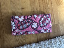 Vera Bradley trifold wallet in Joliet, Illinois