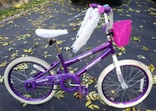 Barbie Dazzler Apollo Girls 2-wheeler bike 20 inches bicycle in Joliet, Illinois