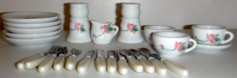 25pc Miniature Ceramic Childs Tea Set in Orland Park, Illinois