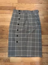Women's H & M plaid pencil skirt size S in Tacoma, Washington
