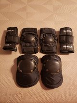 6 Piece - Protective Gear Set for Multi Sports - Cycling, Scooter, Bicycle and Skateboarding in Okinawa, Japan