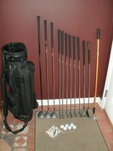 Mens RH Dunlop Resolve Golf Clubs Set with Bag in Naperville, Illinois