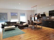Luxurious TLA 3 BR Apt, 5 min from LMRC or Vogelweh, 10 min from RAB, Air Con in Ramstein, Germany