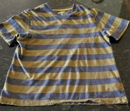 Nice boys shirt, size M in bookoo, US