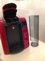 RED BOSCH TASSIMO COFFEE MAKER 220 PLUS in Ramstein, Germany