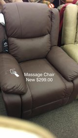 Massage Chair (New) with Heat in Fort Leonard Wood, Missouri