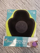 Massaging Bath Mitt for Pets - Yellow in Naperville, Illinois