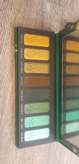 Melt Cosmetics smoke sessions pallette in 29 Palms, California