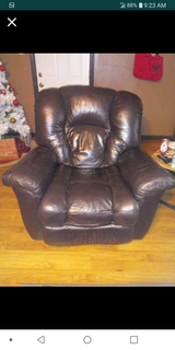 Oversize sanoma leather recliner in Conroe, Texas