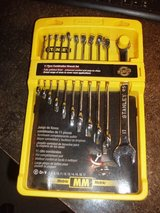 STANLEY 11 piece combintaon metric wrench set. ( brand new) in Yorkville, Illinois