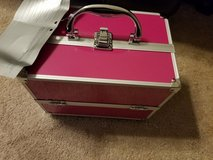 Pink Make Up Train Case 39 Piece in Fort Campbell, Kentucky