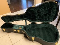 Guardian CG-044-O Vintage Hardshell guitar case in Naperville, Illinois
