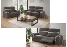 United Furniture - Ithaca extra wide dual voltage Loveseat + normal Loveseat including delivery in Ramstein, Germany