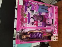 Barbie boutique playset new in Chicago, Illinois