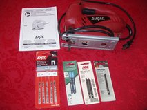 SKIL SAW Model # 4290 VARIABLE SPEED w EXTRA BLADES in Naperville, Illinois