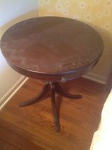Antique Round Table in Chicago, Illinois
