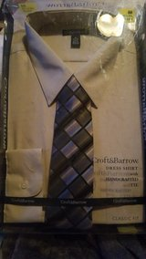 Croft & Barrow dress shirt with tie in Fort Campbell, Kentucky