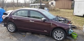 2011 Lincoln MKZ Hybrid; parts or whole (matches same years Ford fusion) in Fort Leonard Wood, Missouri