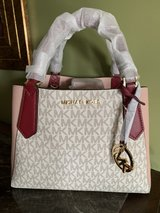Beautiful Purse in Fort Campbell, Kentucky