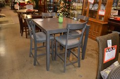 New Tall Table with 4 chairs in Tacoma, Washington
