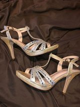 Gold strappy dress shoes in Chicago, Illinois