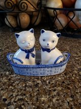 Salt & Pepper shakers cats in 29 Palms, California