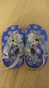 Toddler sz 5 Minnie mouse flip flops in 29 Palms, California