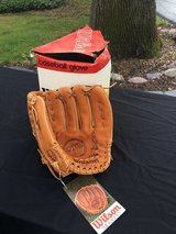 Wilson New Vintage A2000XLO Pro Model Glove in Glendale Heights, Illinois