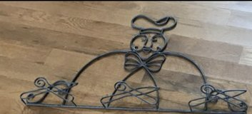 Chef plate wrought iron wall decor in Fort Campbell, Kentucky